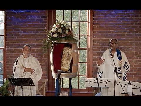 Ru'ach A Yom Kippur Sermon on Breath by Rabbi Amichai Lau-Lavie and Rev. Derrick McQueen